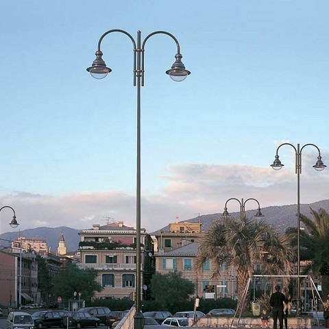 9000 Entella pole with 2 lights top and 500 led Porto Antico lantern